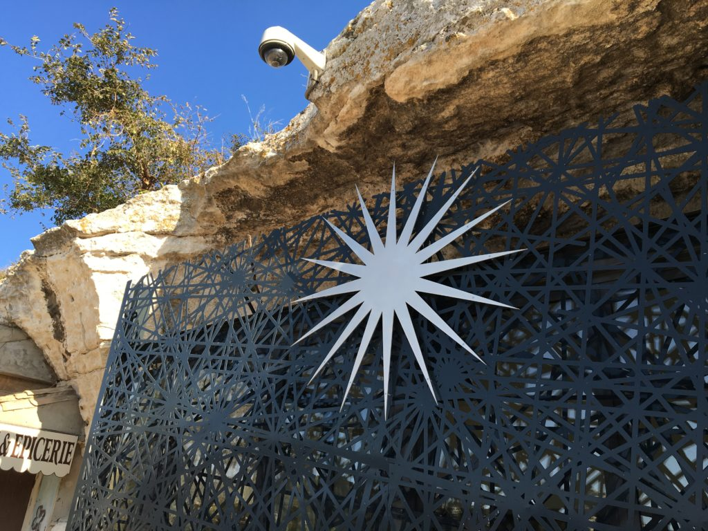 16-point star of Les Baux