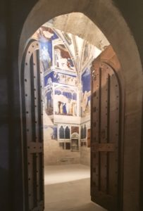 Private Papal apt with frescoes by Matteo Giovanetti